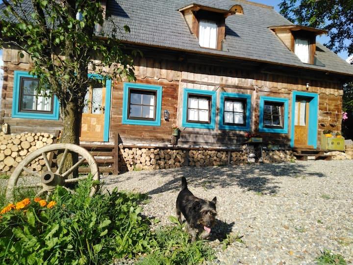 Small apartment in Breb's Cosy Barn green garden