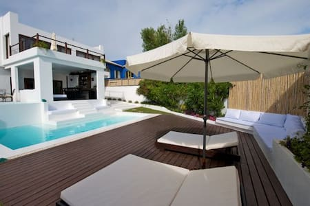 Private Villa with Poolbar - La Barra