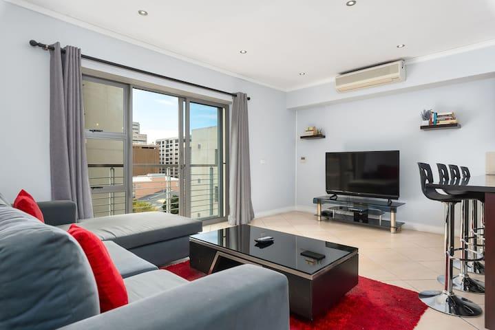Icon 706 - One Bedroom Apartment
