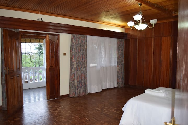 Exquisite spacious en-suite  with balcony - Nairobi - Dům