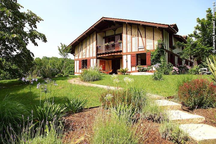 Villa 15 couchages calme et nature - Urcuit - Huis