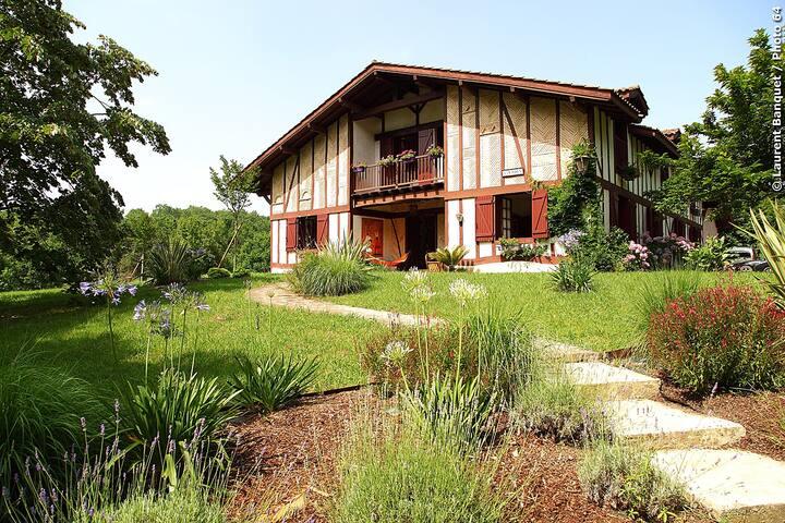 Villa 8 à 15 couchages calme et nature