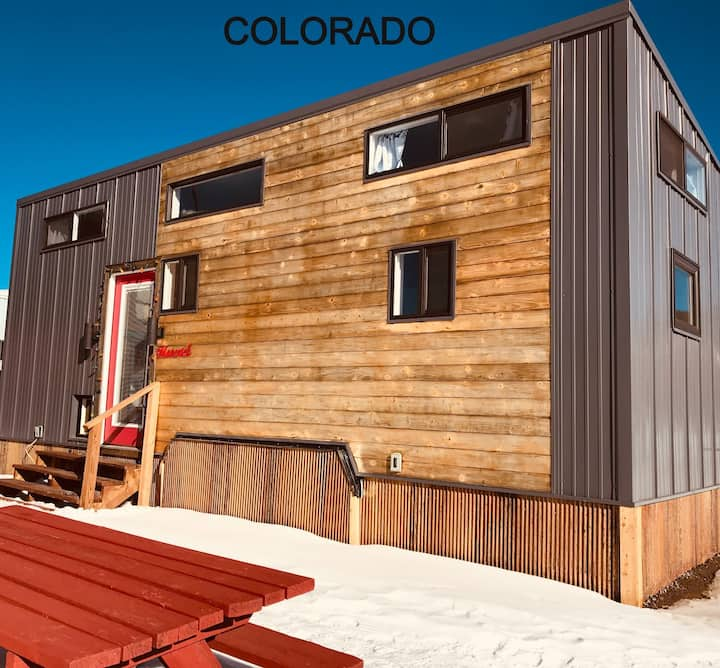 Tiny House Maverick in downtown leadville with free WiFi