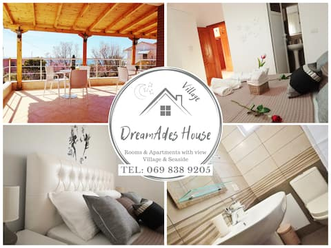 Double Bedroom with private (En Suite) bathroom