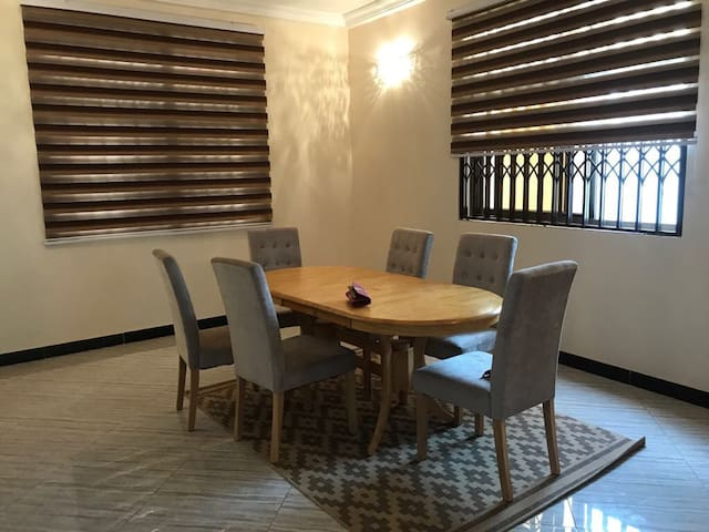 Serviced 4 bedroom house in quiet residential area