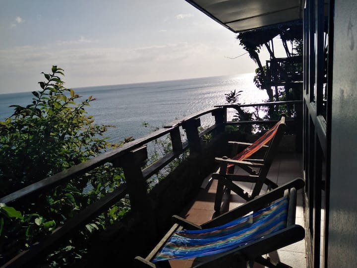 Bamboo Bay Bungalow R18