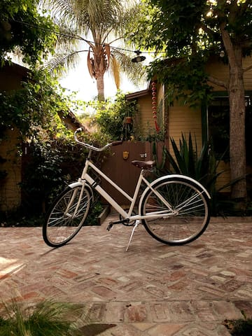 brand new Sole Bike - made in Venice - to cruise the area.