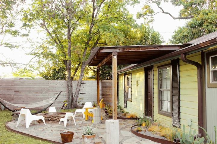 Cozy White Rock Lake Bungalow an Artist Escape - Dallas - Cabaña