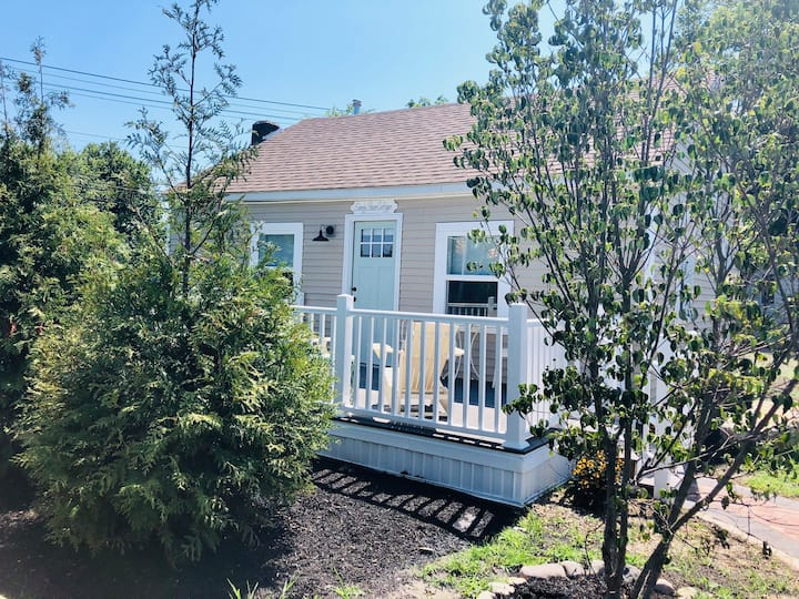 Private 2 bed 1 bath cottage