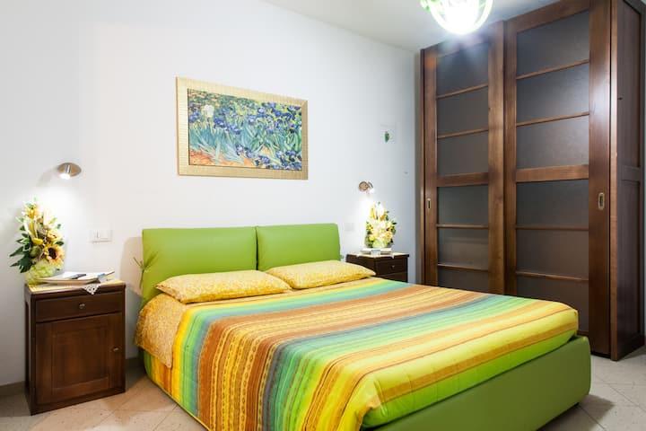 Room on the beach. Relax, sole e mare iun. E8243