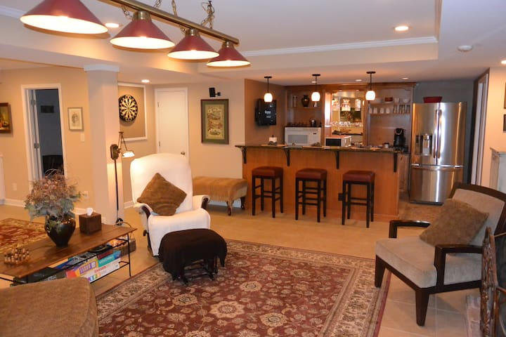 Private-Spacious  Apt -near Wake Forest University