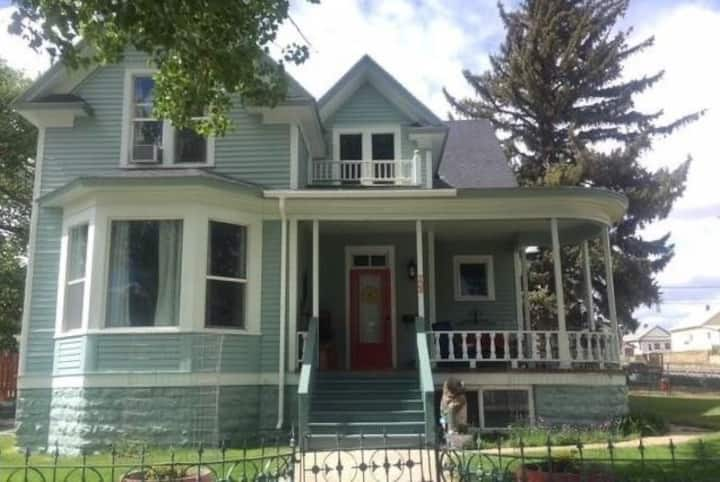 5 Bedroom Victorian Home with Office