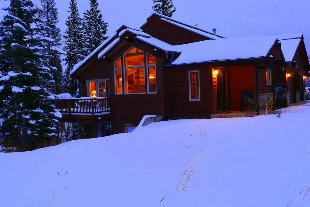 King beds hot tub great location cabins for rent in for Cabin rentals in winter park co