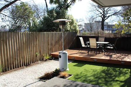 Spacious Townhouse with the City on your doorstep! - Christchurch - Casa adossada