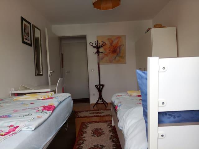 2 person room (03)