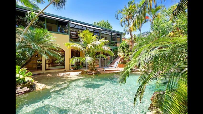 3 PERSON FOR 2!风景如画的海滨度假屋,占地200㎡+,距离闹市仅1.5km。