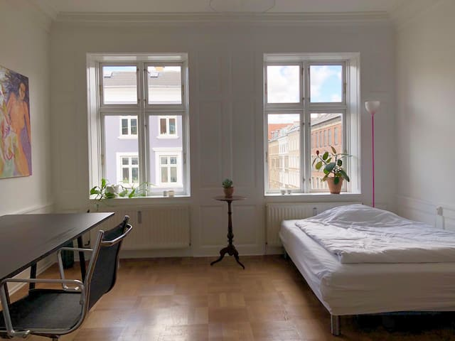 Charming room in central Vesterbro