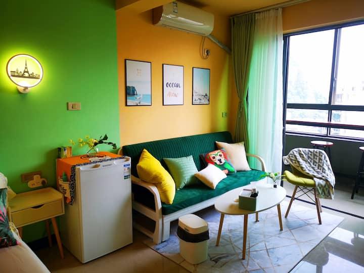 桂林火车站山景高级公寓顶层北欧风1房 车程火车站4分钟,象鼻山两江四湖10分钟