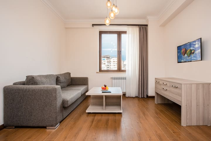 Centrally located  apt.  next to Republic Square