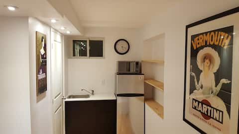 Small Apt in lower downtown