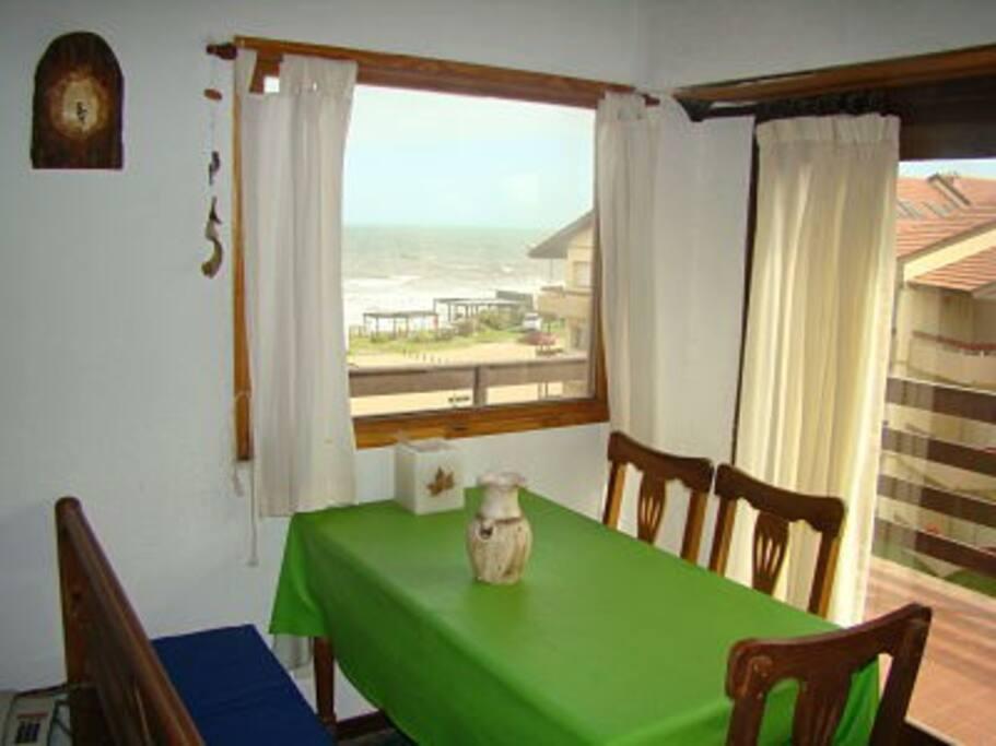 Comedor vista al mar