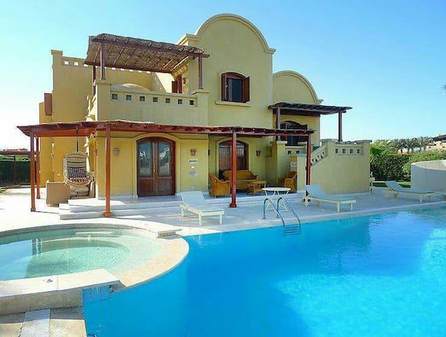 Charming 4bedroom Villa in WestGolf - West Golf, El Gouna  - Casa