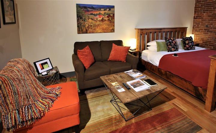 Nekia Flat/Amity Flats: history, wine, luxury