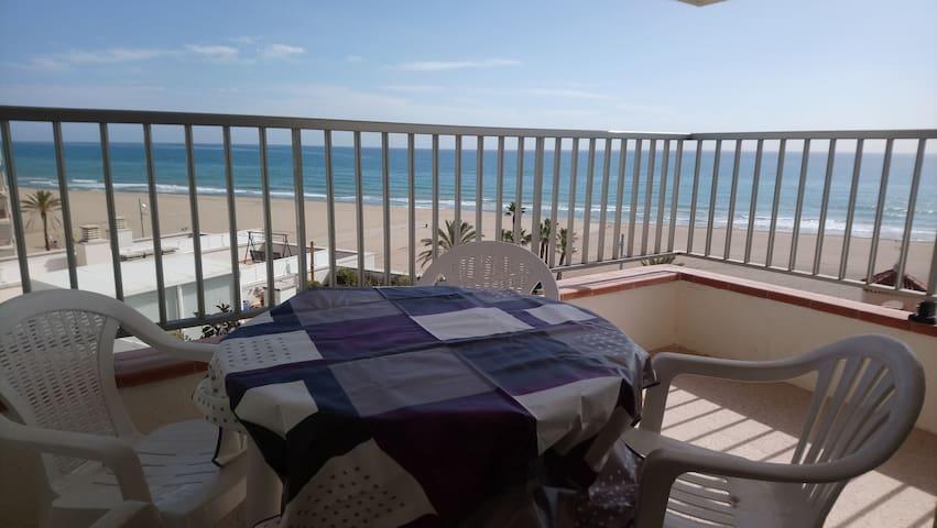 Apartamento acogedor con vistas al mar! Comaruga