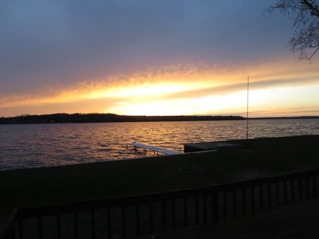 Hamlin House-Perfect Place for Lake Living