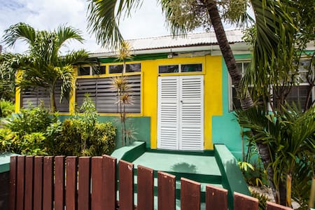 Guesthouse room across beach - Bridgetown
