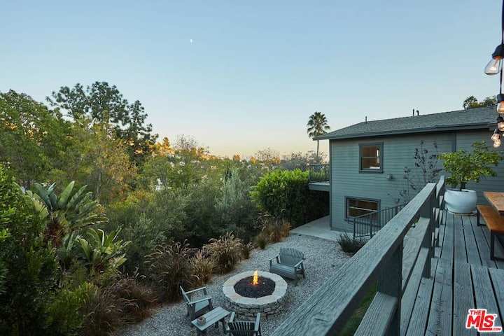 Beachwood Hills Tree House w/ Views