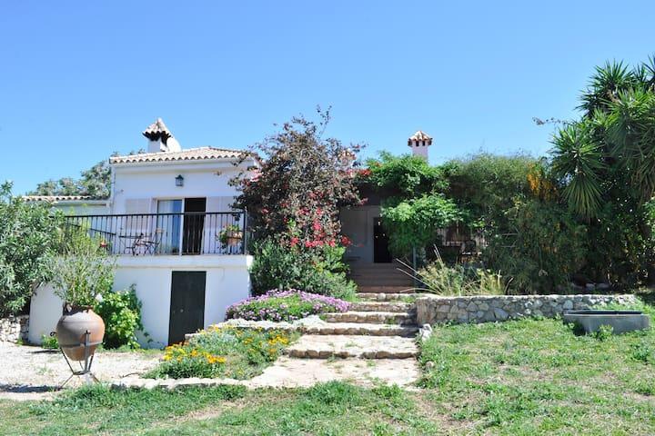 Casa con piscina y barbacoa en Pantano Guadalcacín - Arcos de la Frontera - Huis