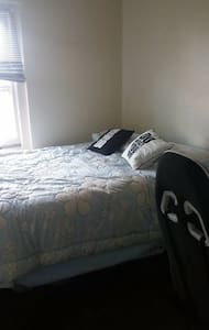 Comfy 1BD APT Downtown SC - Apartment