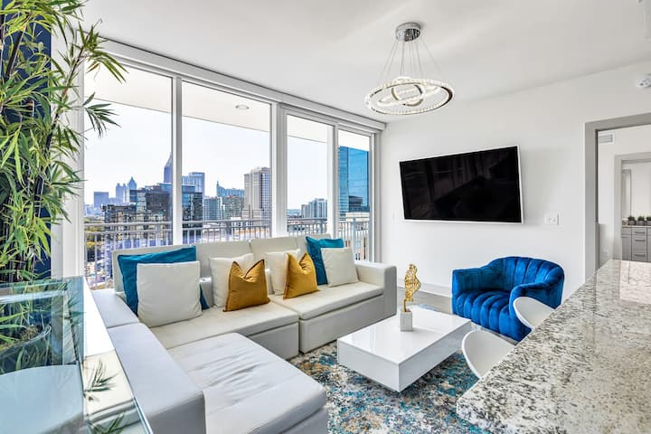 Vibrant Jazzy Classy Central Midtown Bold Abode