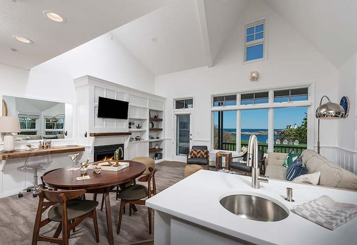 ViewPoint  - 2BR Poolside Townhouse Suite 101