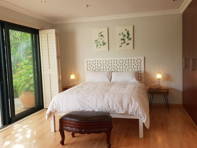 Lovely Guest suite in Constantia