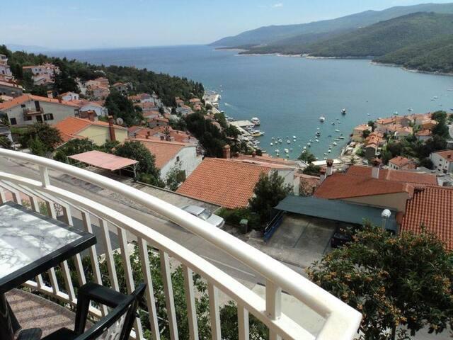 Pokoj s terasou a výhledem na moře Rabac, Labin (S-12368-a)