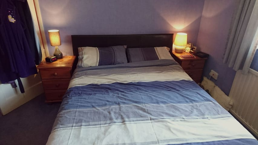 Double Room near New Forest & Southampton - Totton - House