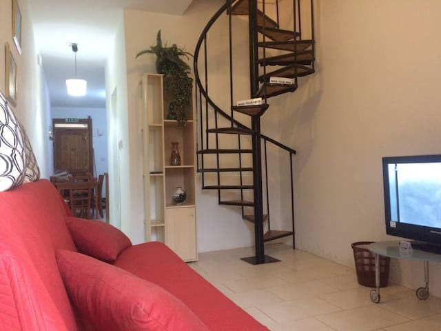 St. Paul's Bay Apartment, Airconditioned, WIFI. - St Paul's Bay - Apartamento