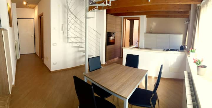 Suite Home Gavirate - Two-Bedrooms Apartment n.2