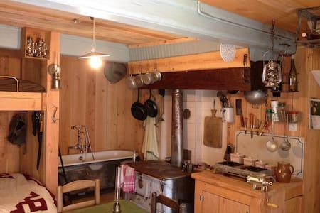 Cabane atypique et son studio photo...