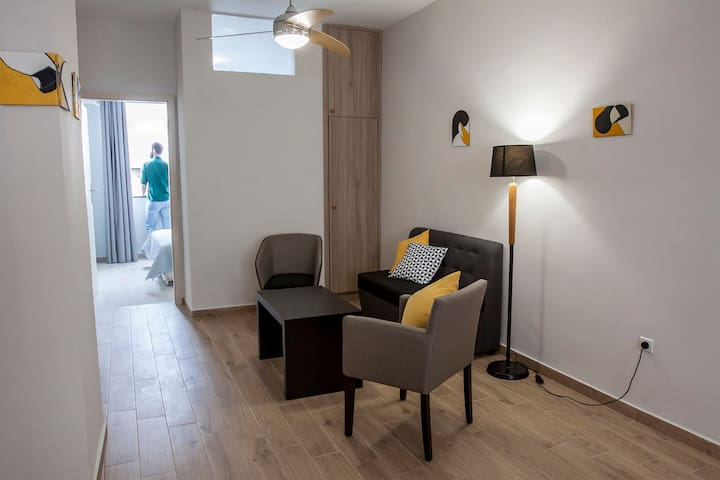 City Center Art Apartment ( 60 sqm ) - Tessalónica - Apartamento