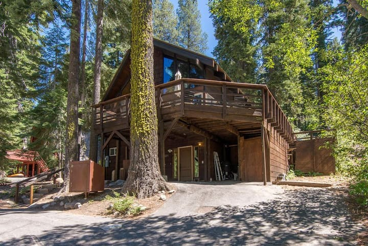 South Shore Stunner*Views of Donner Lake*FIVE Bedrooms!