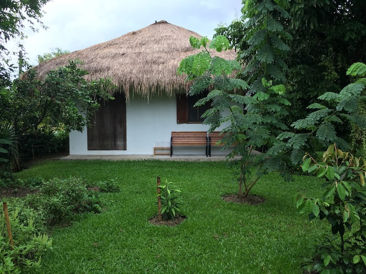 Lalang-roof cottage with 6-bed dorm