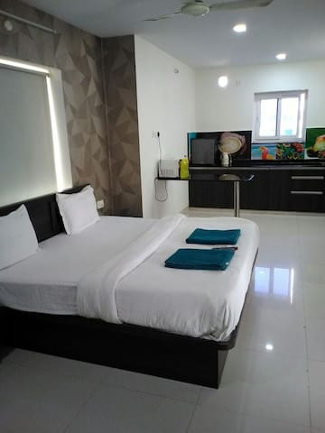 1BHk Studio Bed & Breakfast with peaceful stay