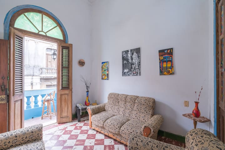 Private 2-bed, 2-bath apartment in Old Havana
