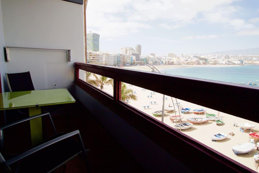 Incre bles vistas desde el balc n apartamentos en - Estudios en las palmas de gran canaria ...