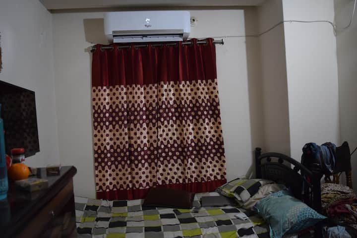 Awesome single room in cheap cost