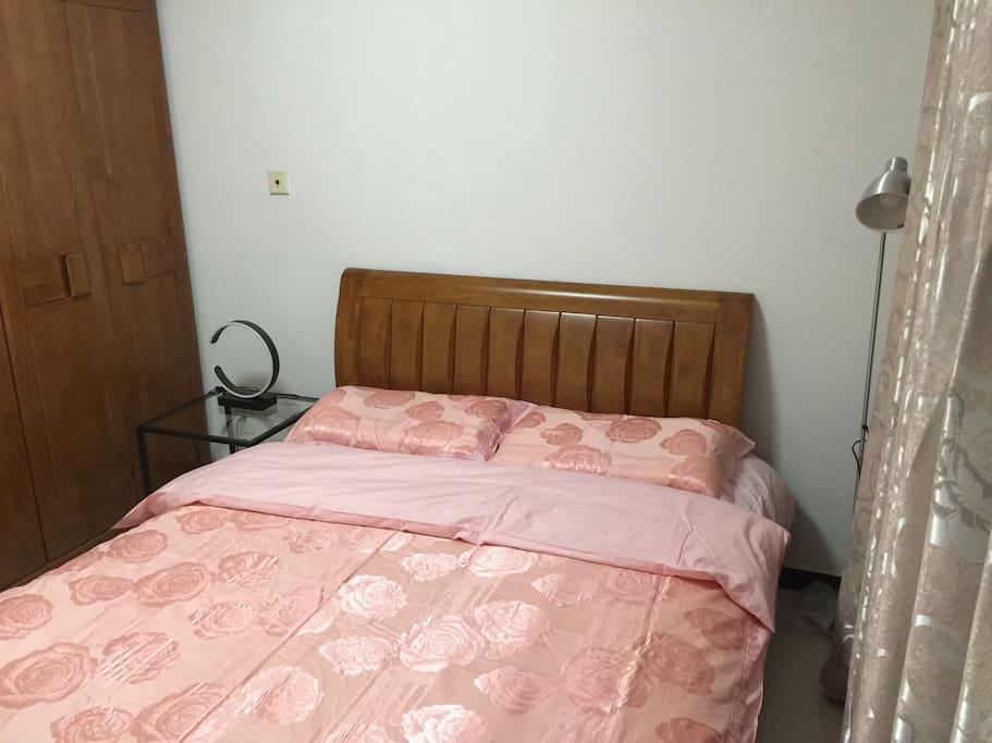 卧室 bedroom