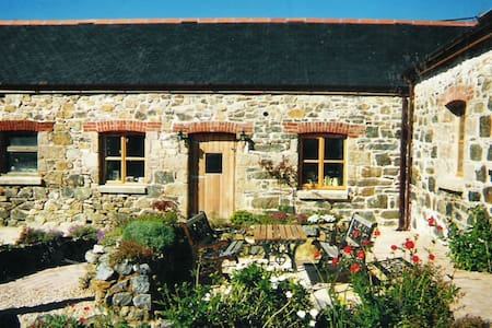 Joe's Barn - Mullion